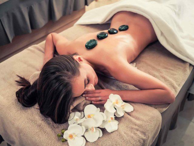 https://pmubymanon.nl/wp-content/uploads/2018/10/spa-stone-massage-3-640x480.jpg